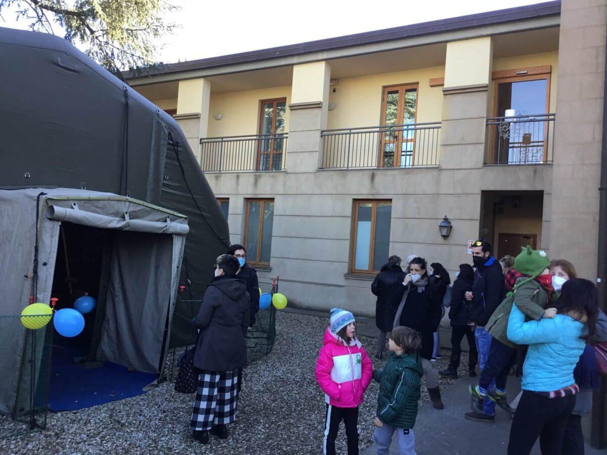 Tamponi Covid per i 450 alunni della scuola dell'Infanzia