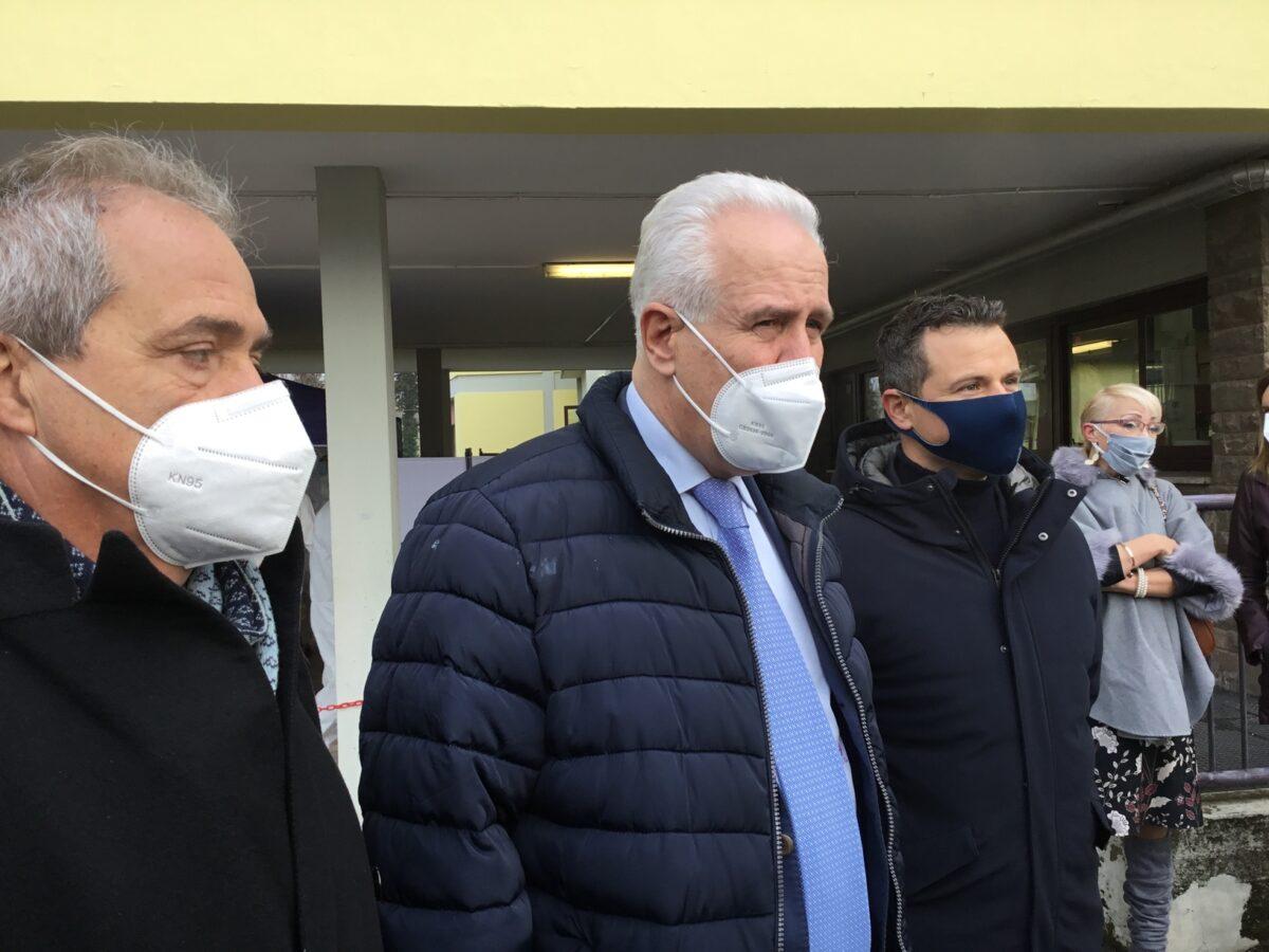 1 - Tamponi rapidi covid 19 scuola Media Redi da parte Misericordia Antella - 7 gen 2021 - foto Giornalista Franco Mariani (16)