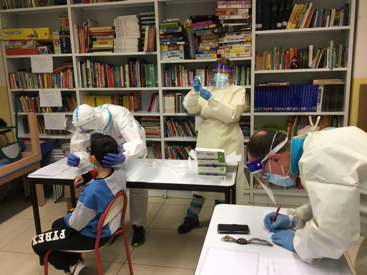 2 - Tamponi rapidi covid 19 scuola elementare parrocchia da parte Misericordia Antella - 14 gen 2021 - foto Giornalista Franco Mariani (23)