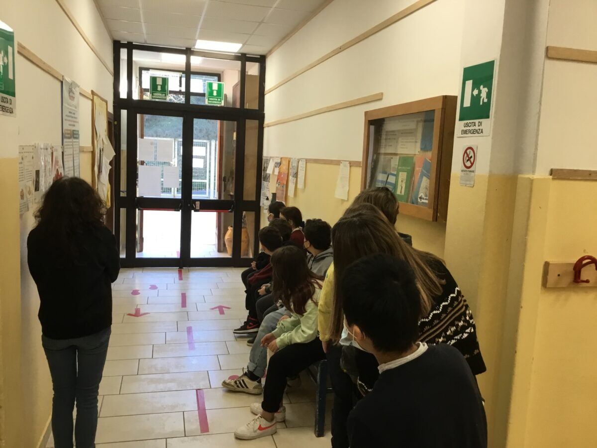 3 - Tamponi rapidi covid 19 scuola elementare da parte Misericordia Antella - 18 gen 2021 - foto Giornalista Franco Mariani (37)