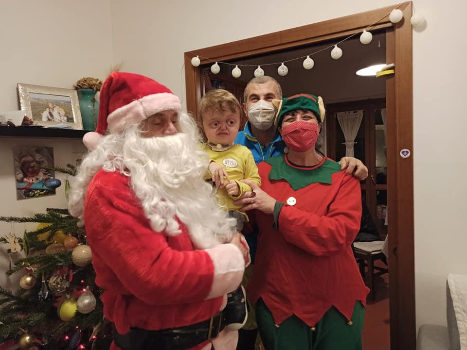 Visita Babbo Natale Misericordia Antella a casa di Francesco - 24 dic 2020 (3)
