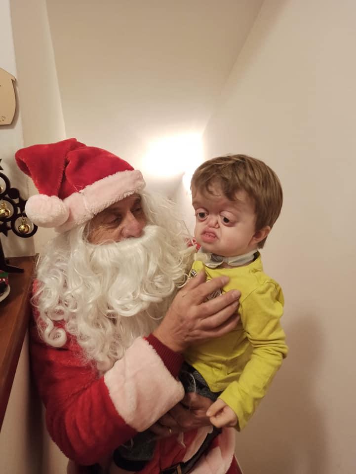 Visita Babbo Natale Misericordia Antella a casa di Francesco - 24 dic 2020 (4)