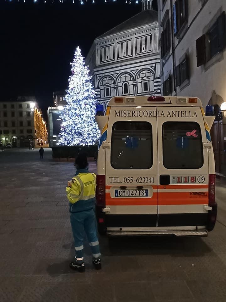 Volontari in servizio emergenza freddo poveri a Firenze notte Natale 2020 (1)